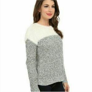 Vince Camuto Sz Md Eyelash Split Sweater